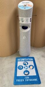 Bodenschutzmatte mit Desinfektionshinweis